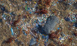 EU-debat over uitbannen vervuilende microplastics gaat door